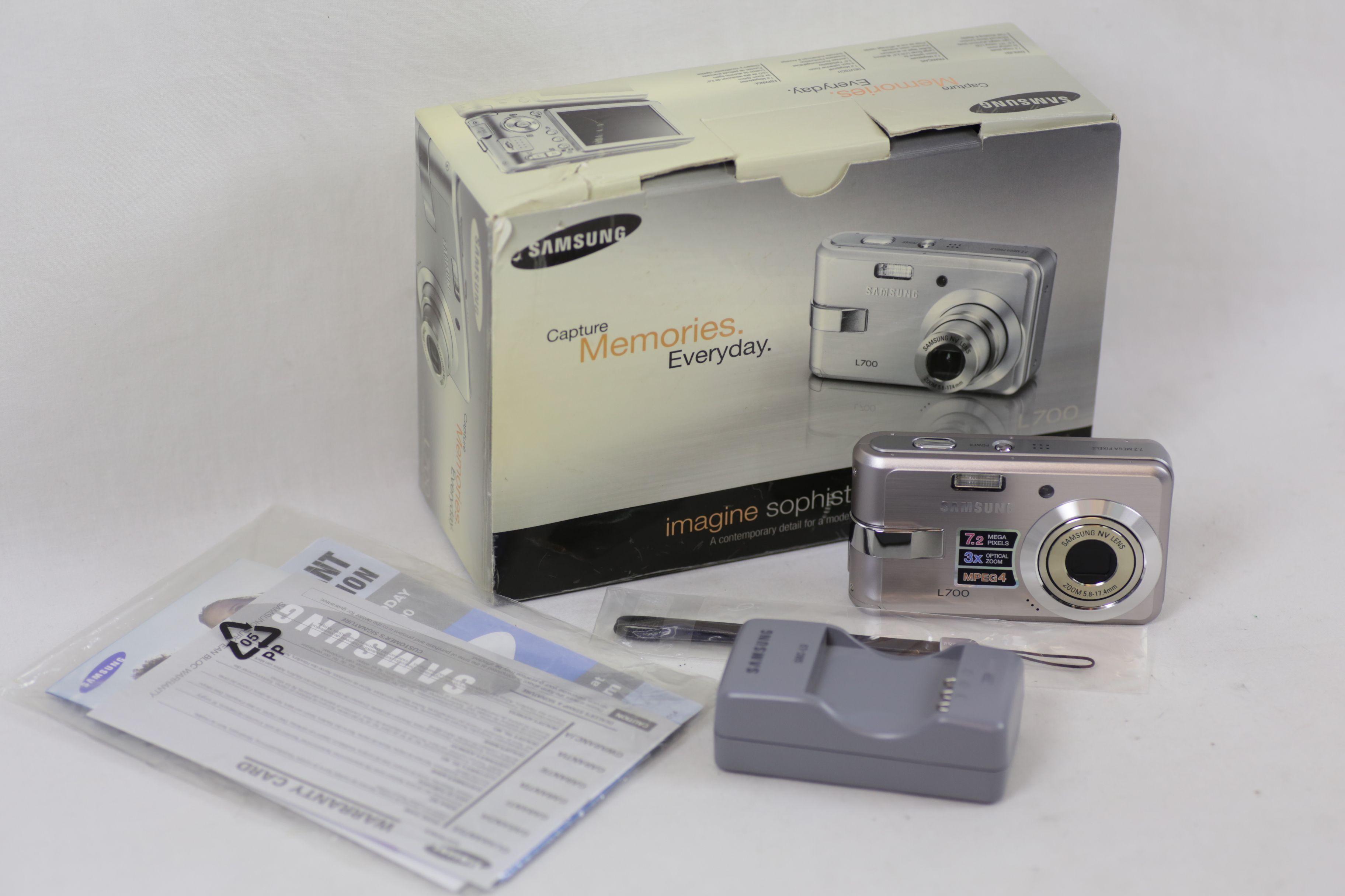 Samsung L Series L700 7.2MP Digital Camera - Silver