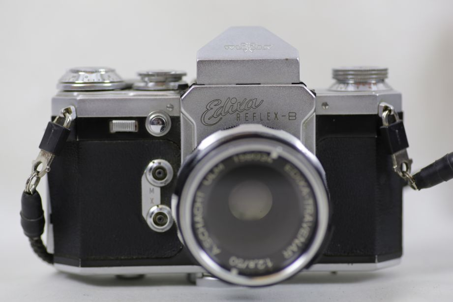 Wirgin Edixa Reflex-B SLR Film Camera with 50mm f/2.8 Prime Lens M42 Screw Mount 4