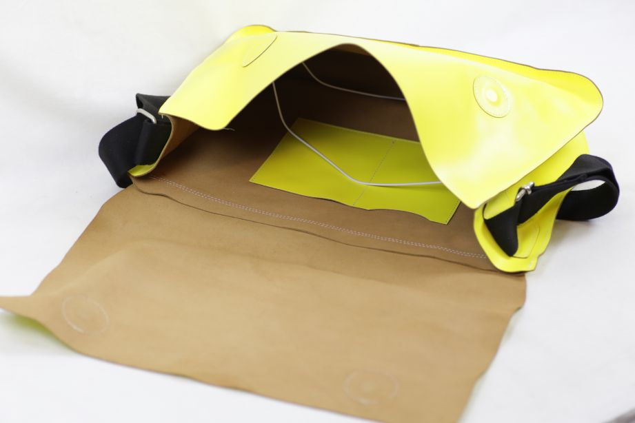 Undercover Large Leather Messenger Bag - Neon Yellow 7