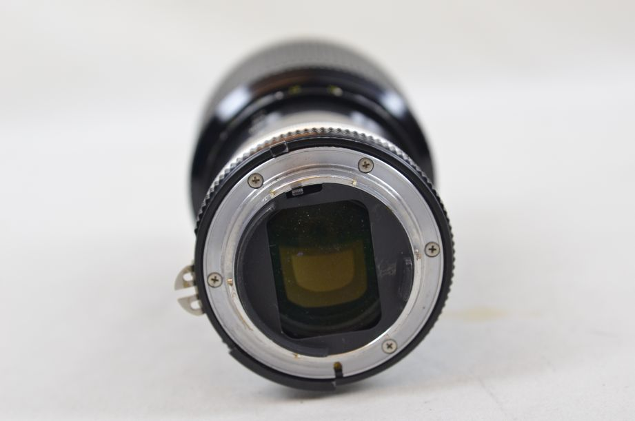 Nikon Zoom-NIKKOR 80-200mm f/4.5 AI-s with 52mm Hoya Skylight Filter 5