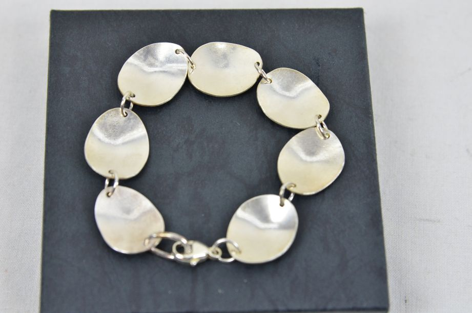 Charis Sutehall Handmade Sterling Silver Oval Dome Leaf Pattern Bracelet 4