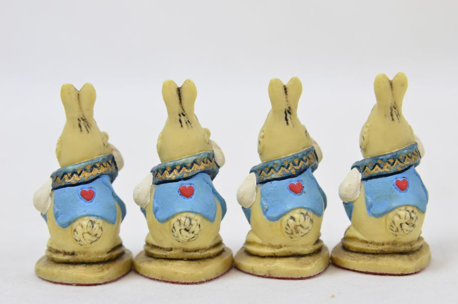 Studio Anne Carlton Hand-Painted Alice in Wonderland Chess Set Pieces 15