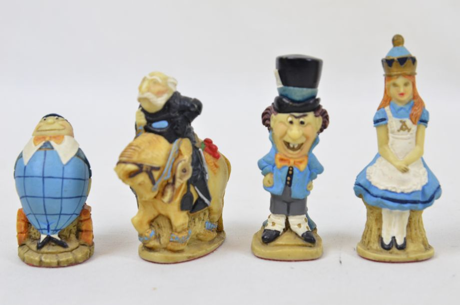 Studio Anne Carlton Hand-Painted Alice in Wonderland Chess Set Pieces 16