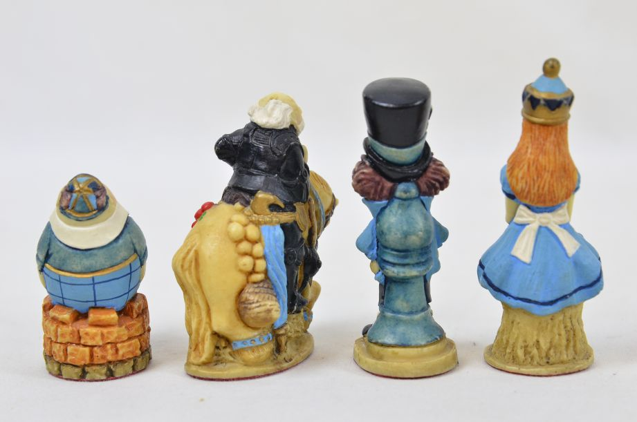 Studio Anne Carlton Hand-Painted Alice in Wonderland Chess Set Pieces 17