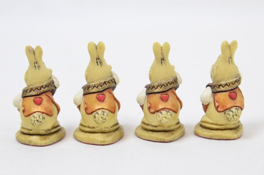 Studio Anne Carlton Hand-Painted Alice in Wonderland Chess Set Pieces 5