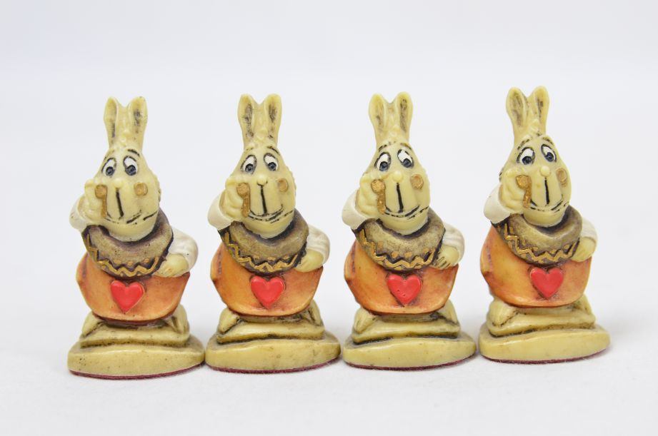 Studio Anne Carlton Hand-Painted Alice in Wonderland Chess Set Pieces 6