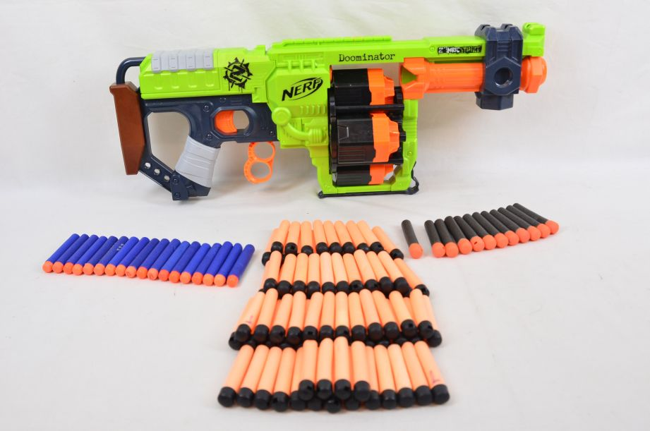 Nerf Zombie Strike Doominator with 102 Darts
