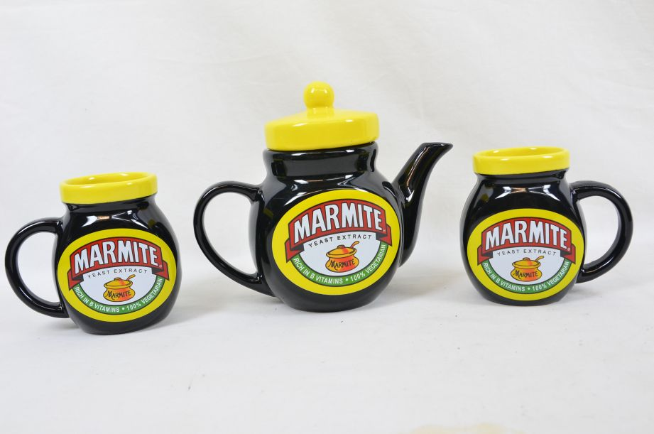 Marmite Collectable Tea Set - Teapot with Two Mugs 1