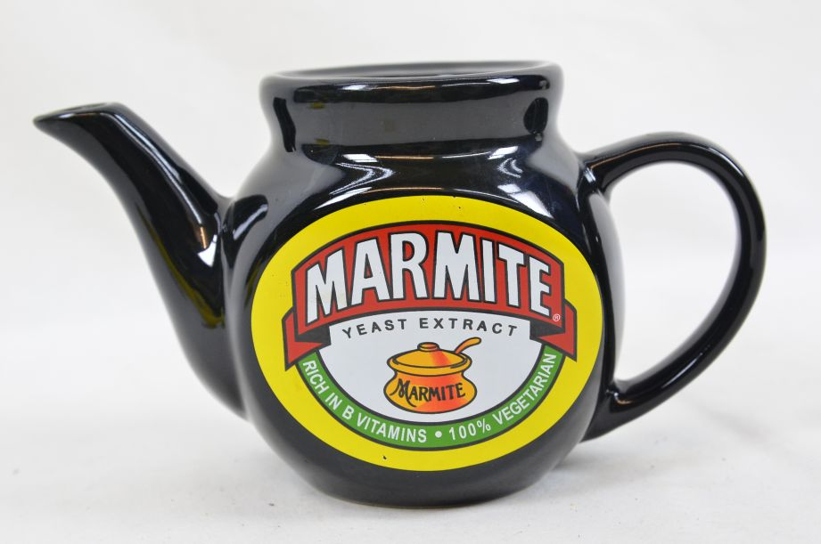 Marmite Collectable Tea Set - Teapot with Two Mugs 3