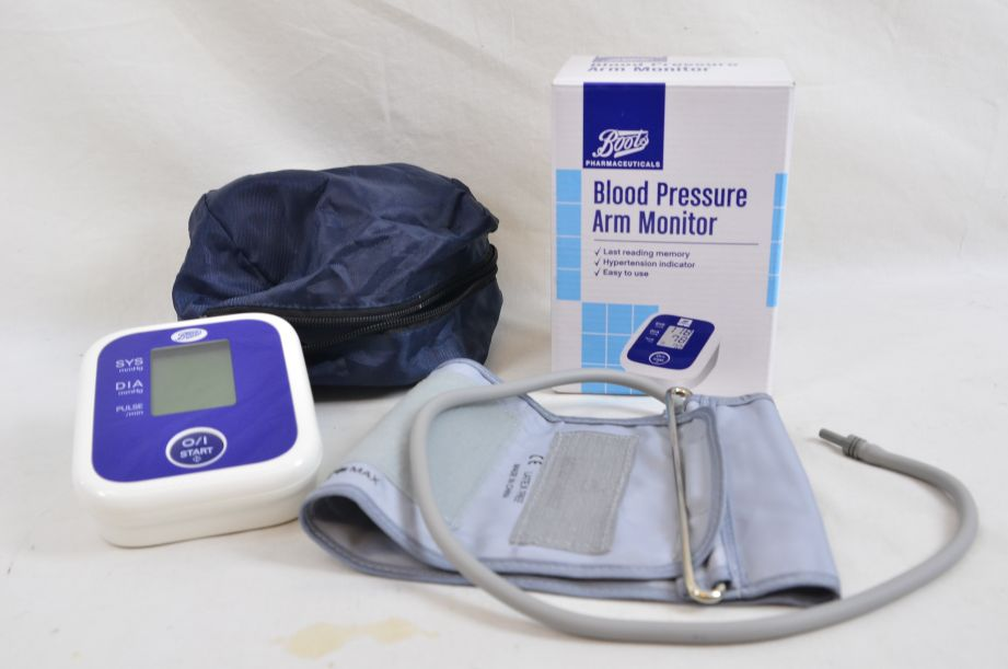 Boots Blood Pressure Arm Monitor Untested 56-90-447 1