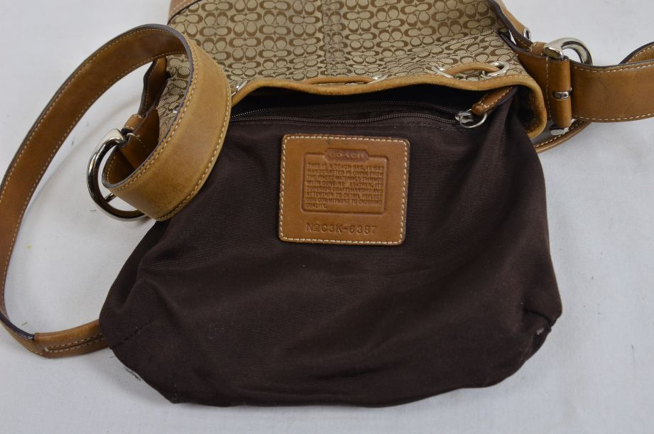 Coach Bag Small Bucket Leather Tan Brown With Drawstring Shoulder Strap 7