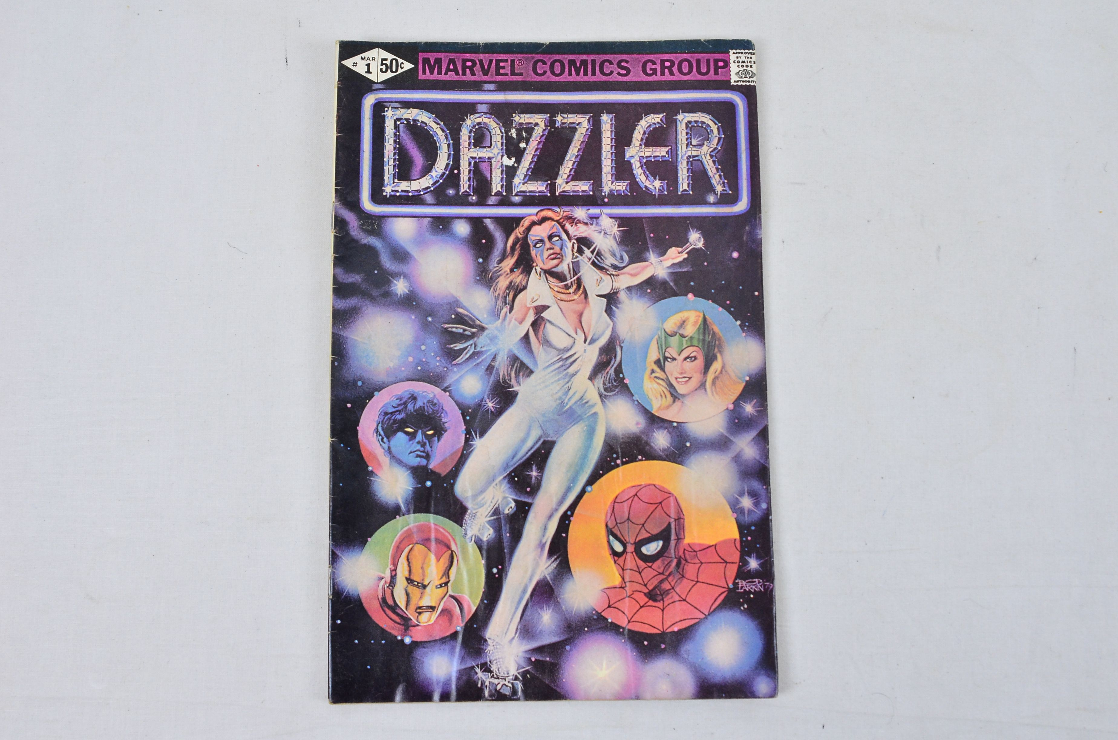 Vintage Marvel Comics Group Dazzler Collectable Comic Thumbnail 2