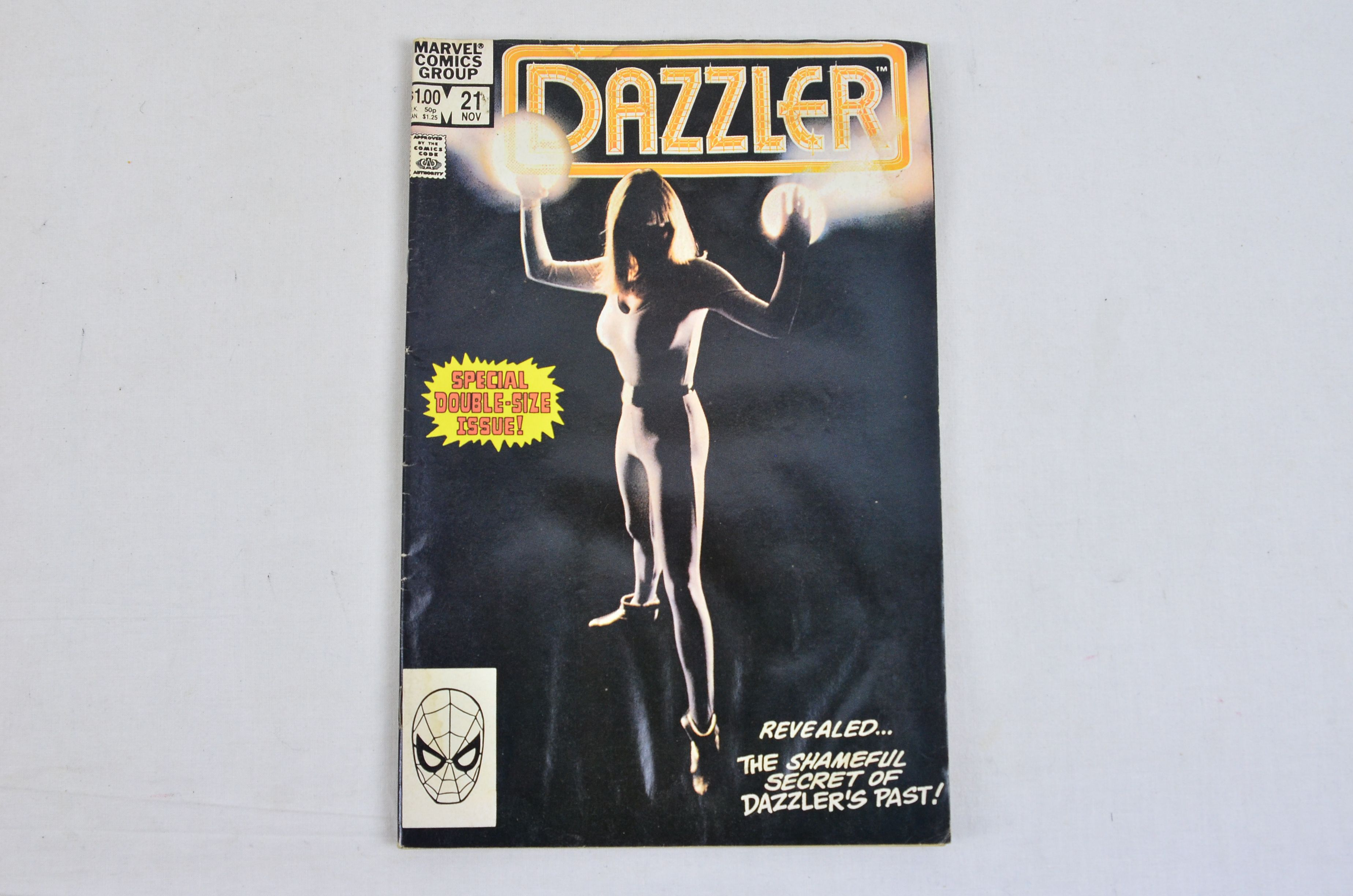 Vintage Marvel Comics Group Dazzler Collectable Comic Thumbnail 3