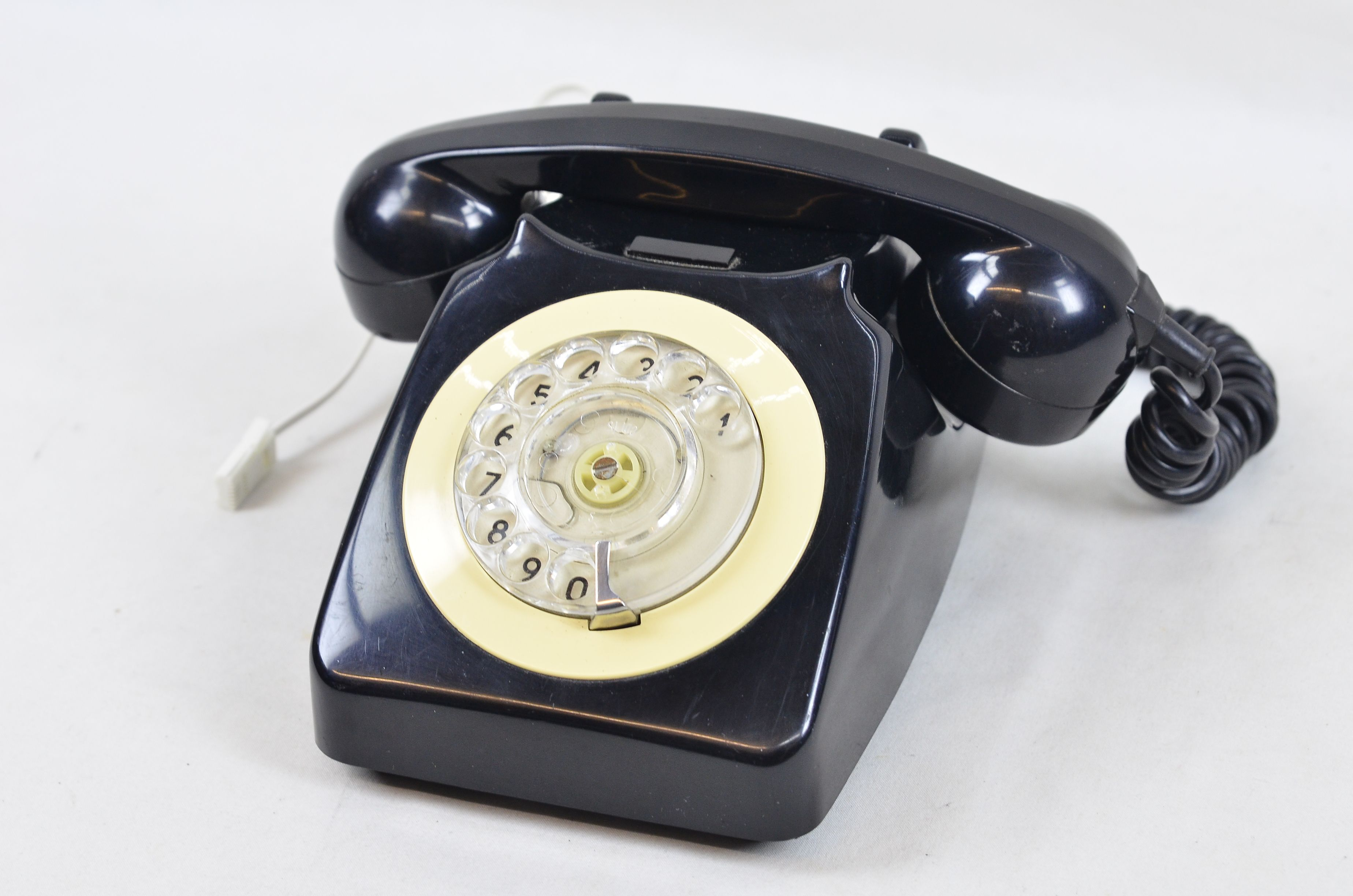 Vintage GPO BT 746F Rotary Telephone Black Cream