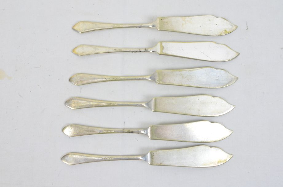 Assorted Vintage Cutlery Knives Forks Spoons Silver Plated Stainless Steel 25