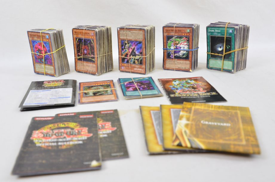 YuGiOh Trading Card Game Collection 654 Count With Rule Book And Deck Zones