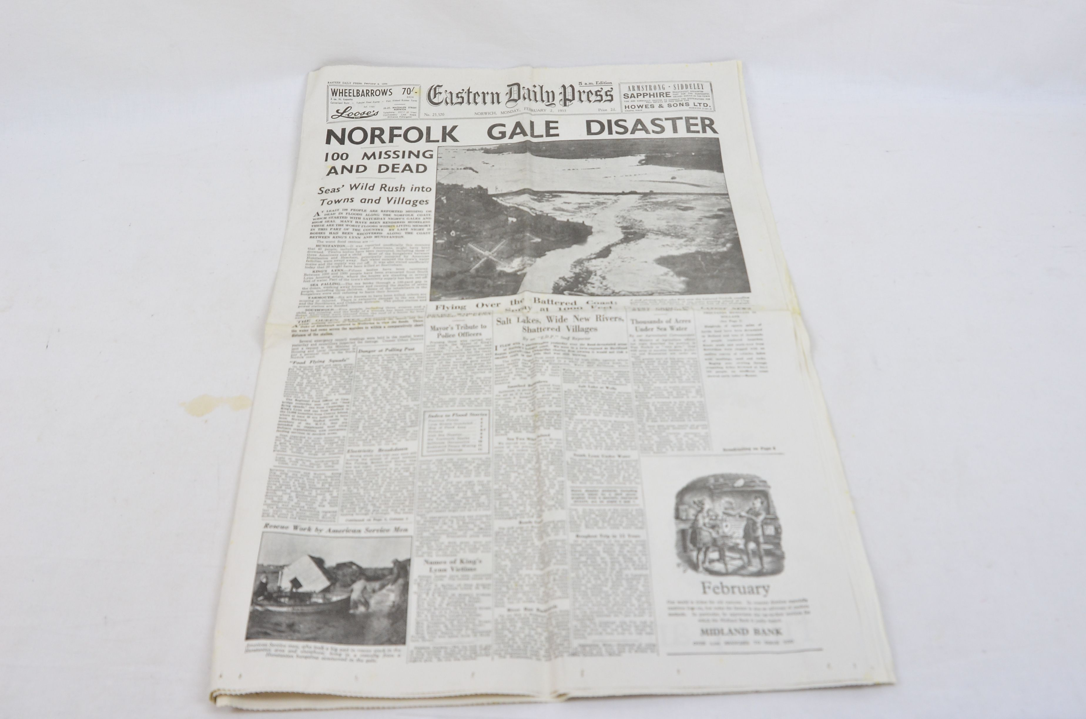 Eastern Daily Press Norwich 2 Febuary 1953 Number 25570 Norfolk Gale Disaster
