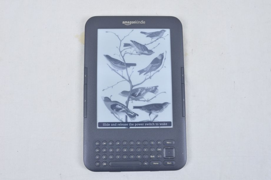 Amazon Kindle Keyboard (3rd Generation) 4GB, Wi-Fi + 3G 6in - Graphite D00901 4