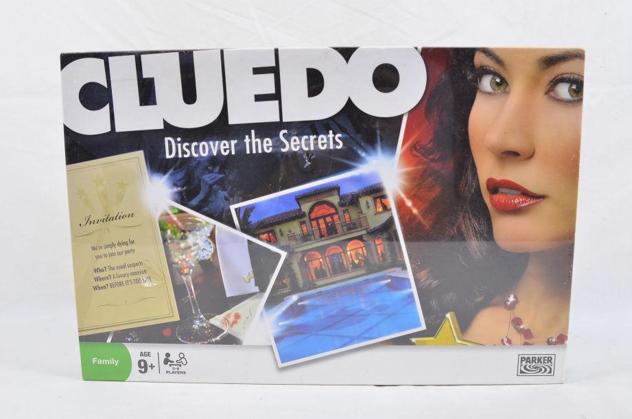 Cluedo Discover the Secrets Board Game by Parker 2008 1