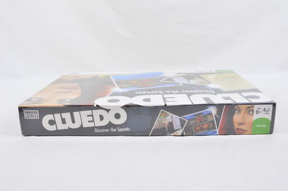 Cluedo Discover the Secrets Board Game by Parker 2008 3