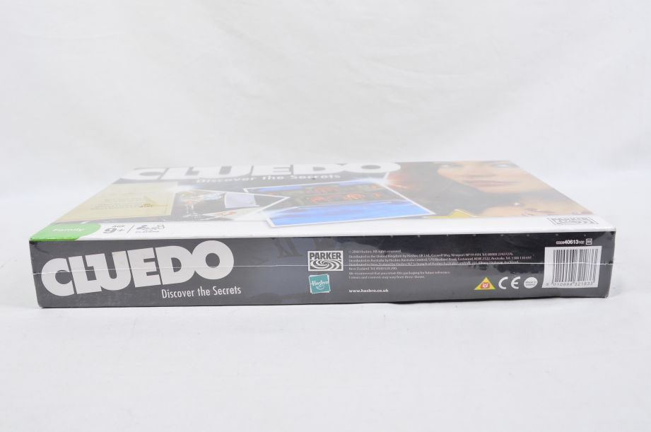 Cluedo Discover the Secrets Board Game by Parker 2008 4