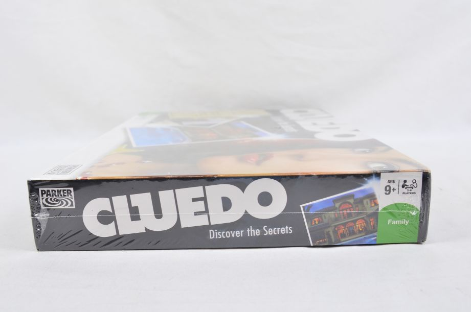 Cluedo Discover the Secrets Board Game by Parker 2008 5