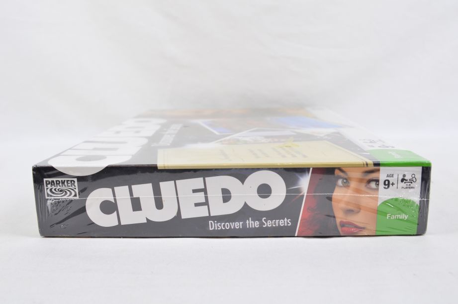 Cluedo Discover the Secrets Board Game by Parker 2008 6