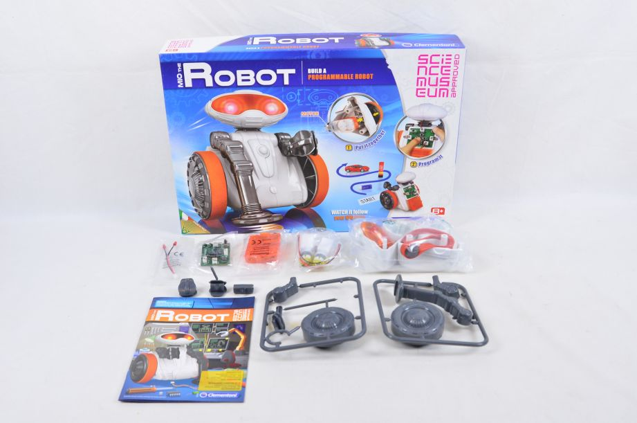Clementoni Mio The Programmable Robot Science Museum Approved Robot Building Kit