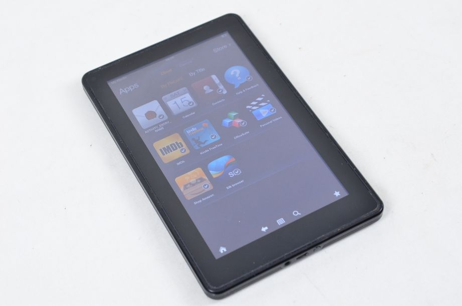 Amazon Kindle Fire (1st Generation) 8GB, Wi-Fi, 7in - Black - D01400 1