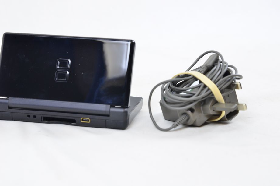 Nintendo DS Lite Portable Handheld Gaming Console - Onyx Black with Charger 3