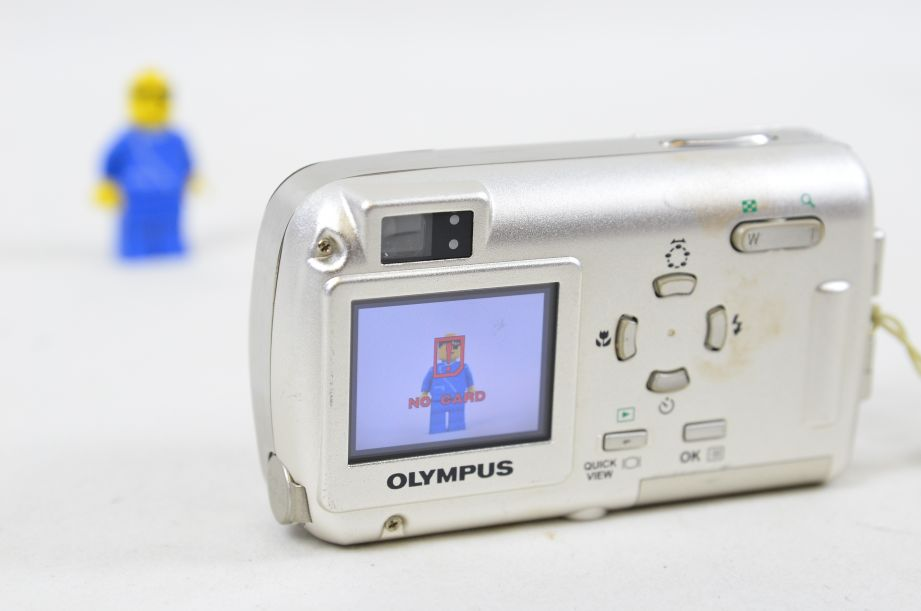 Olympus µ 400 Digital 4.0MP Digital Camera - Silver 5