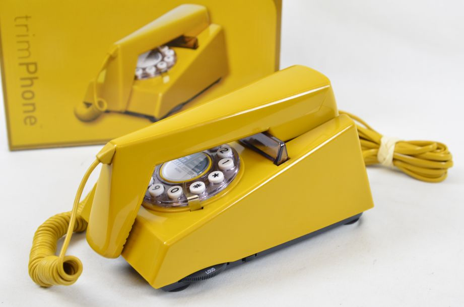 Wild & Wolf 1970s Style Trim Phone - Old Gold 1