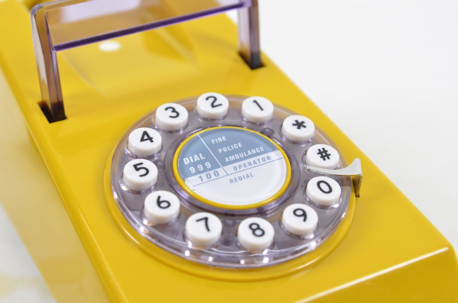 Wild & Wolf 1970s Style Trim Phone - Old Gold 6