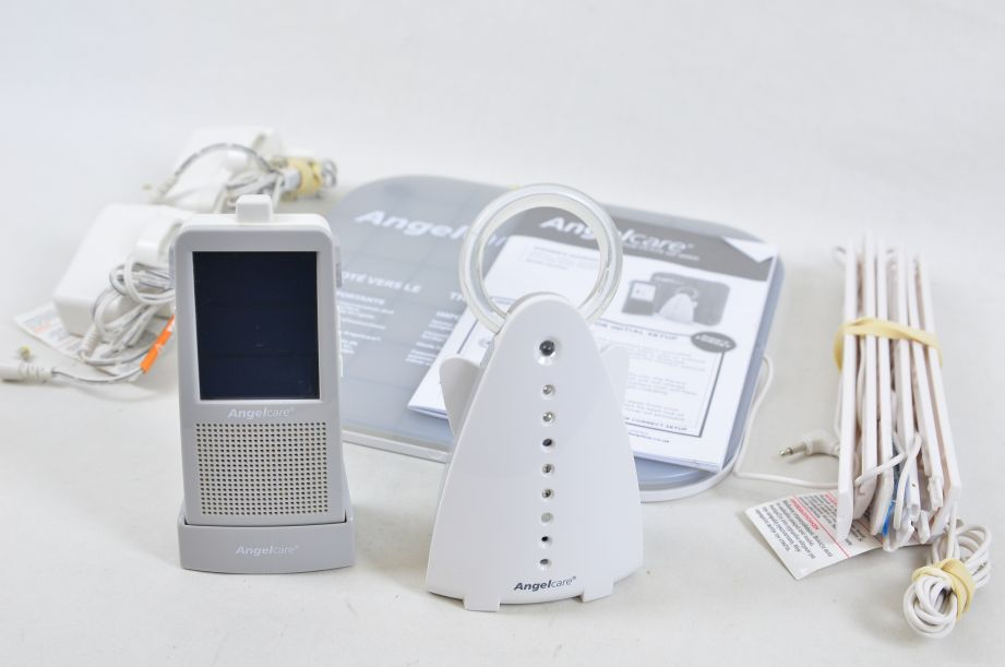 AngelCare AC1100 Digital Video, Movement & Sound Baby Monitor 1