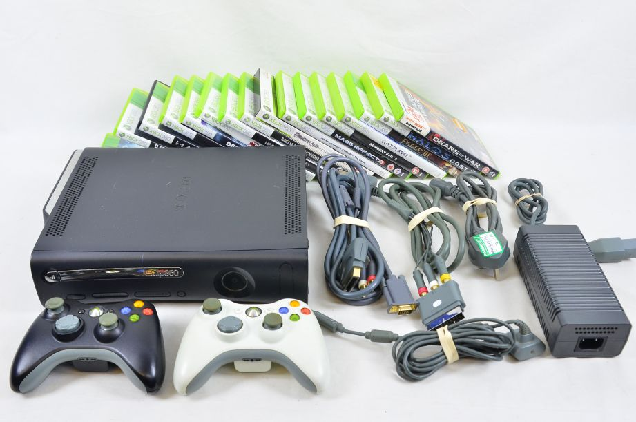 Microsoft Xbox 360 Elite 120 GB Black Console with 2 Controllers & 16 Games 1