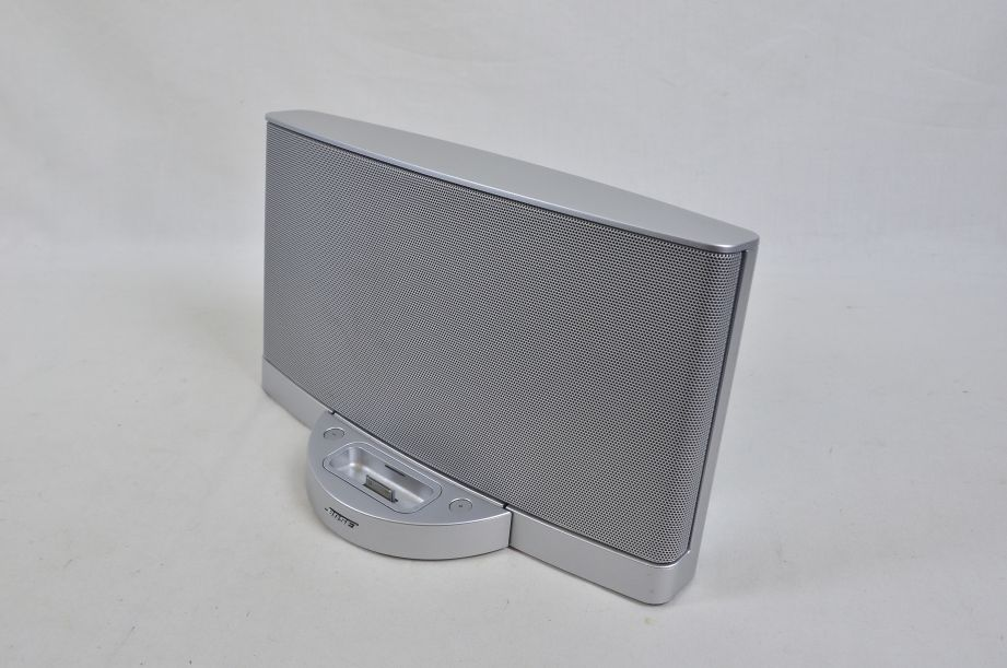Bose SoundDock Series II Digital Music System - iPod/iPhone Dock - Silver 4
