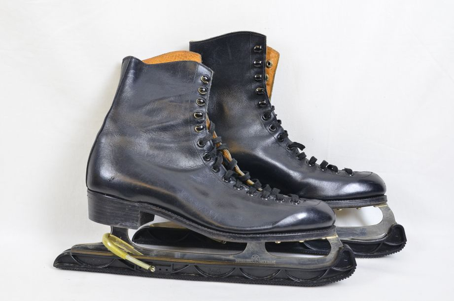 Vintage Fagan Black Leather Figure Skating Ice Skates UK Size 9