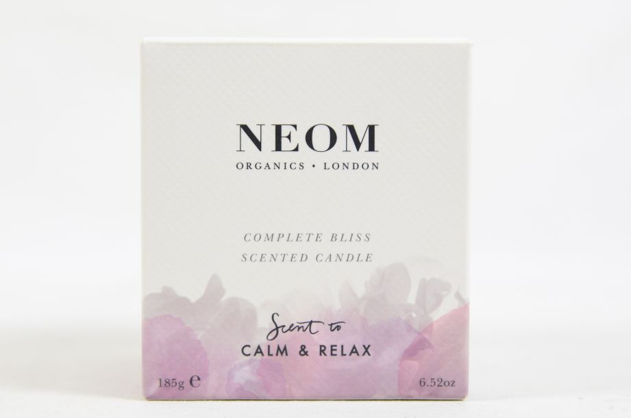 Neom Organics Scent to Calm & Relax Scented Candle 185g 4