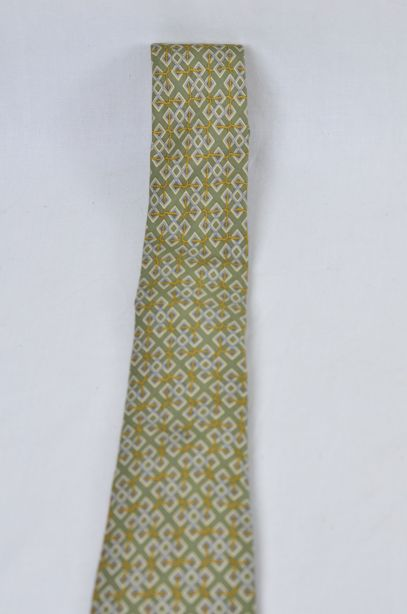 Hermes Olive Green 100% Silk Tie - Rope Interlocked Geometric Pattern 3