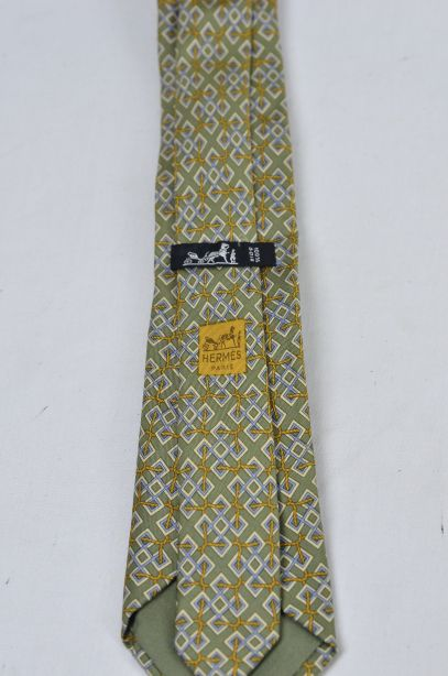 Hermes Olive Green 100% Silk Tie - Rope Interlocked Geometric Pattern 4