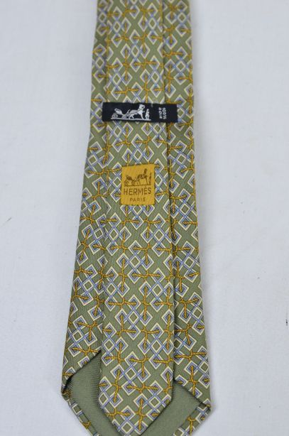 Hermes Olive Green 100% Silk Tie - Rope Interlocked Geometric Pattern 5