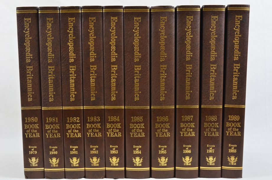 Encyclopaedia Britannica Book of the Year 1980 to 1989 Set of 10 Books 3