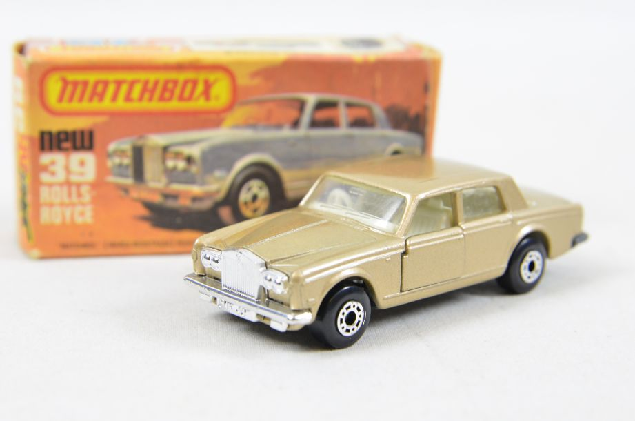 Matchbox Superfast #39 Rolls Royce Silver Shadow - Gold Body, White Interior 1