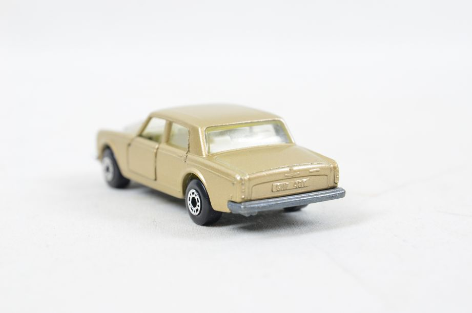 Matchbox Superfast #39 Rolls Royce Silver Shadow - Gold Body, White Interior 10