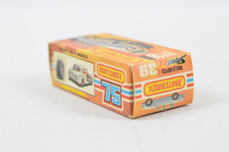 Matchbox Superfast #39 Rolls Royce Silver Shadow - Gold Body, White Interior 16