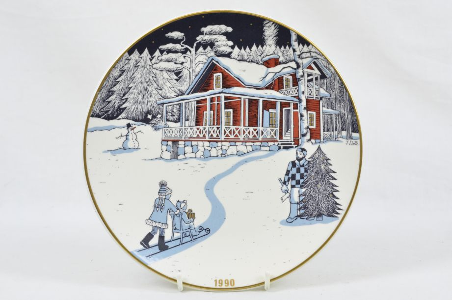 Arabia Finland Decorative Christmas Plate 1990 by Tove Slotte