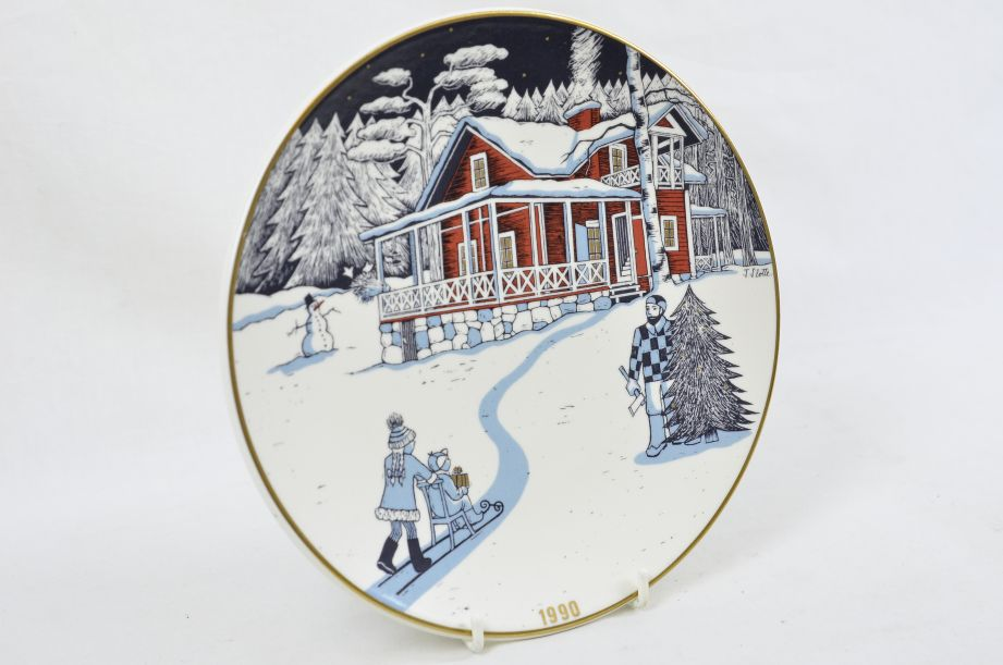 Arabia Finland Decorative Christmas Plate 1990 by Tove Slotte 2