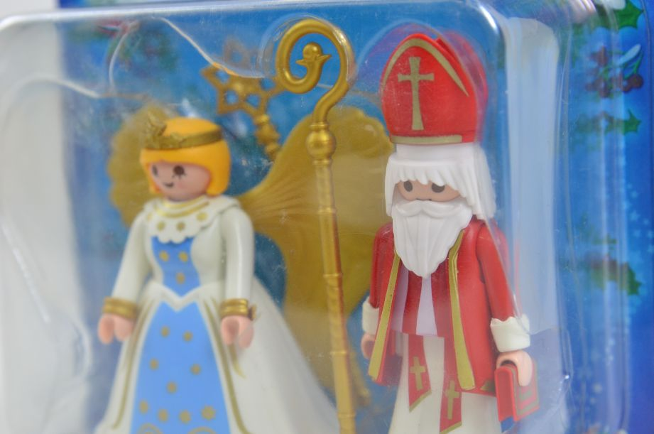 Playmobil 4887 Saint Nicholas and Angel Christmas Figures Set 2