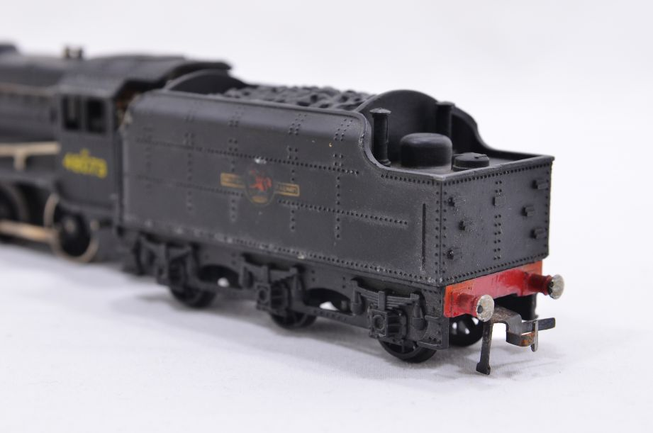 Hornby Dublo 2 Rail LMR 2-8-0 Locomotive and Tender 48073 2224 10