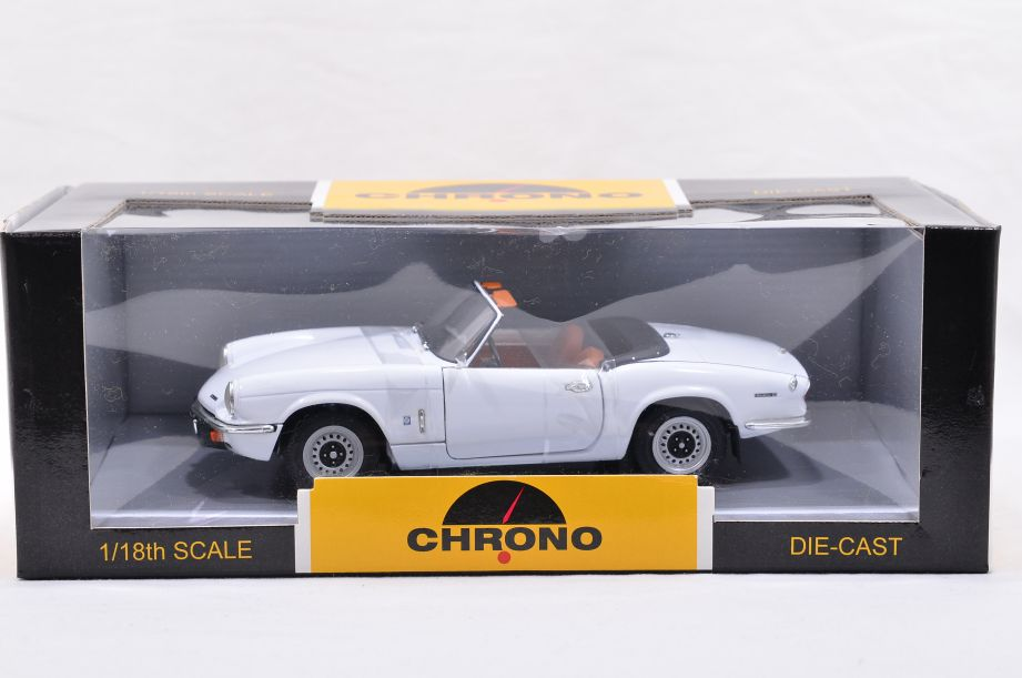 Chrono 1/18 1970 Triumph Spitfire Open Convertible Diecast Car White H1040